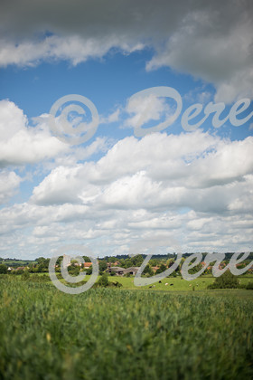080614Hardwick-2   Hardwick in Buckinghamshire as seen from Weedon   Keywords: English Countryside Hardwick Buckinghamshire Village